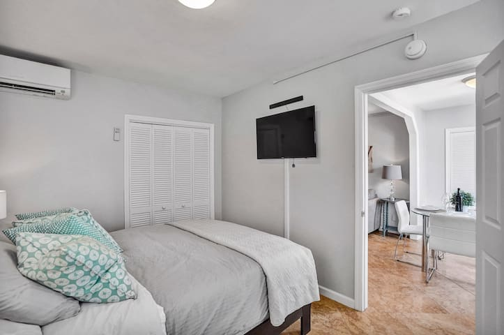 TV in bedroom has Netflix and other streaming options.