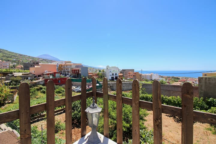 Magnificent villa with private pool, terrace, & views - walk to dining