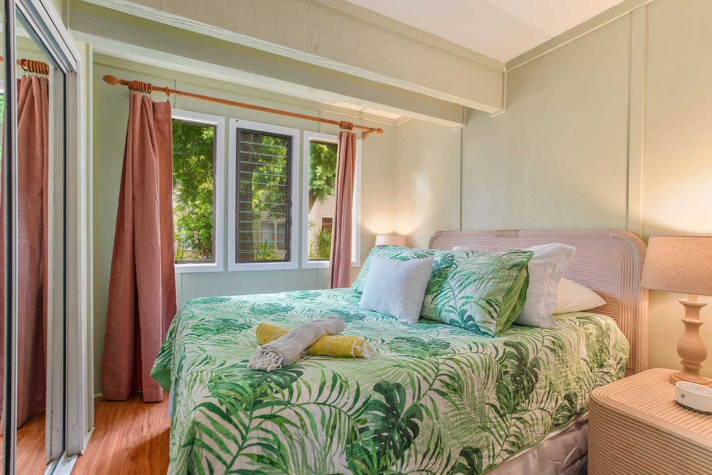 Island-style living: There are continuous ocean breezes and lush gardens right outside your window.