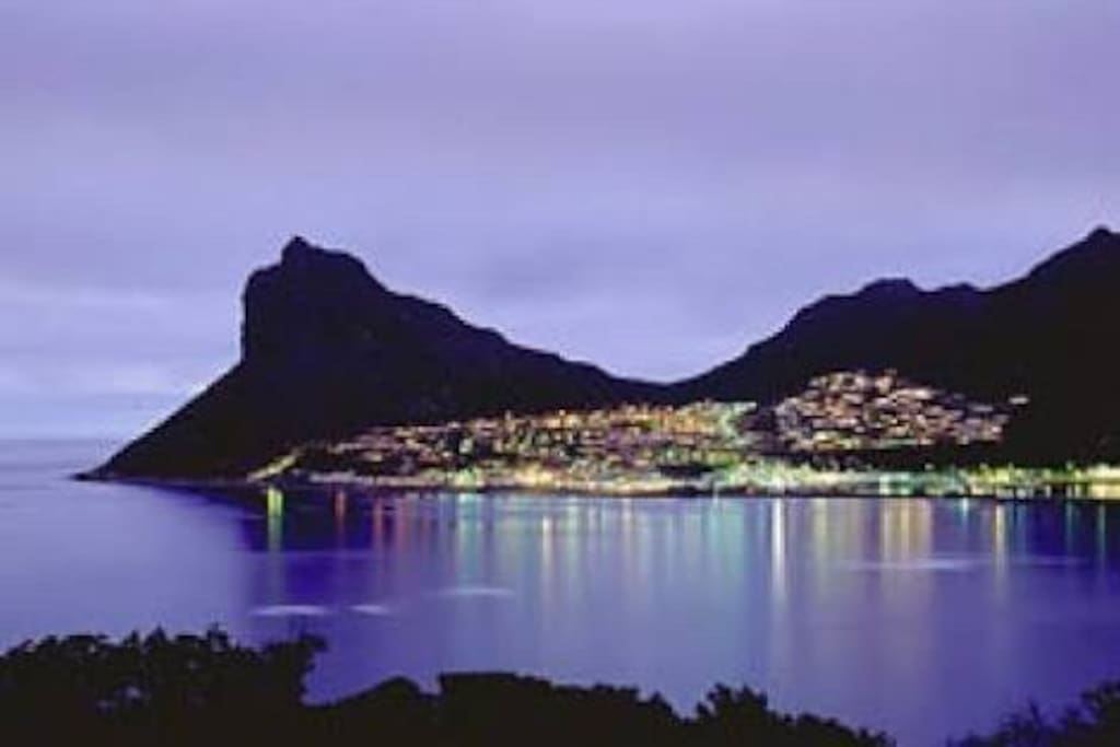 The bay at night from Chapmans peak drive!