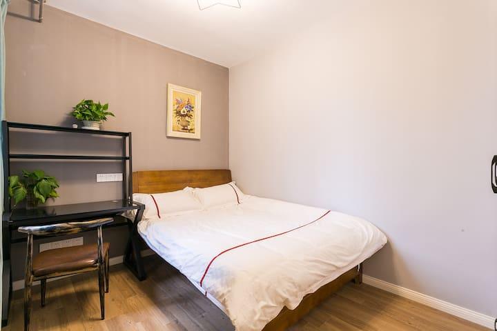 1.5米大床卧室2