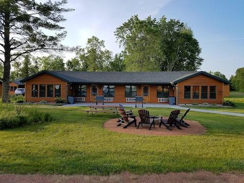 2 BR Lakeside Lodge on ATV/Snowmobile Trails