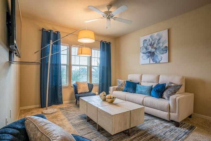 Luxury St. John's Town Center Getaway - 2br 2b Apt
