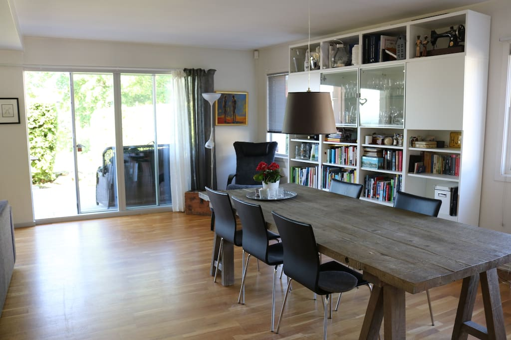 Living room with direct access to terrace and garden