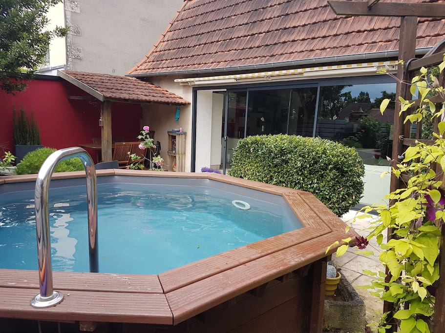 Bel appart rdc hyper centre piscine parking cour lofts for Piscine hyper u