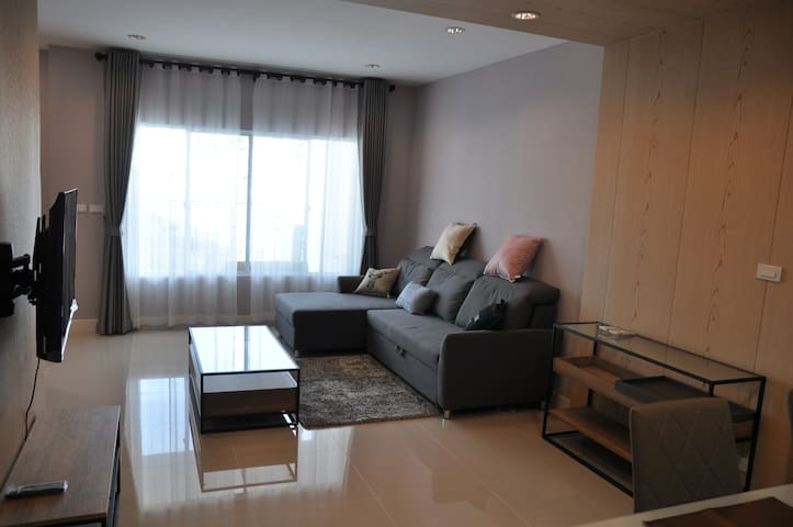 Relaxing 3 bedroom Townhouse nearby Big C