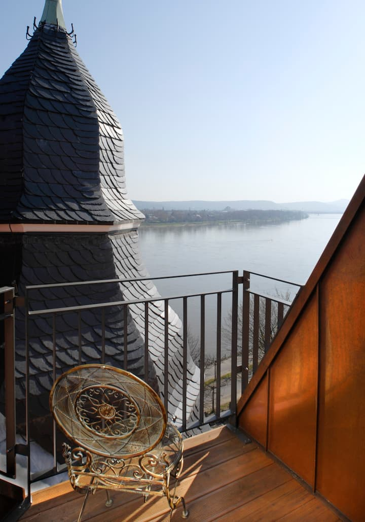wohnen in zentraler Bestlage direkt am Rhein