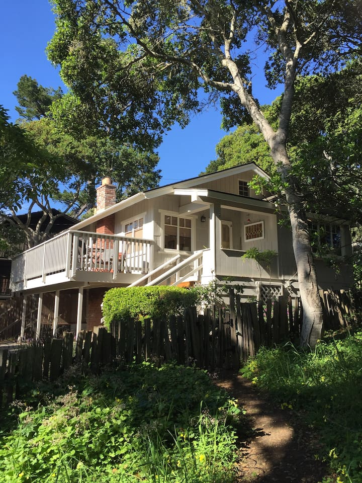 Welcome to Sunshine Cottage! An original Craftsman bungalow from early Carmel.  Located 1.5 blocks from Carmel Beach and 1.5 blocks to famed Ocean Avenue.