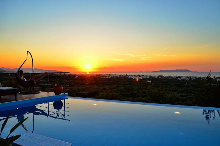 Outstanding Villa with Breathtaking Views and Pool