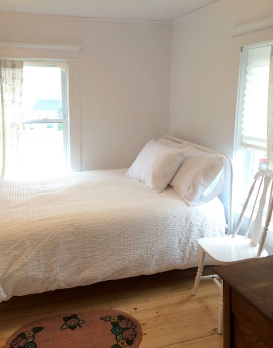 Daisy Room has a double bed with duvet and 100% cotton sheets.