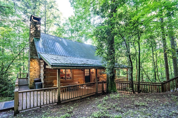 Cozy Valle Crucis cabin in perfect location