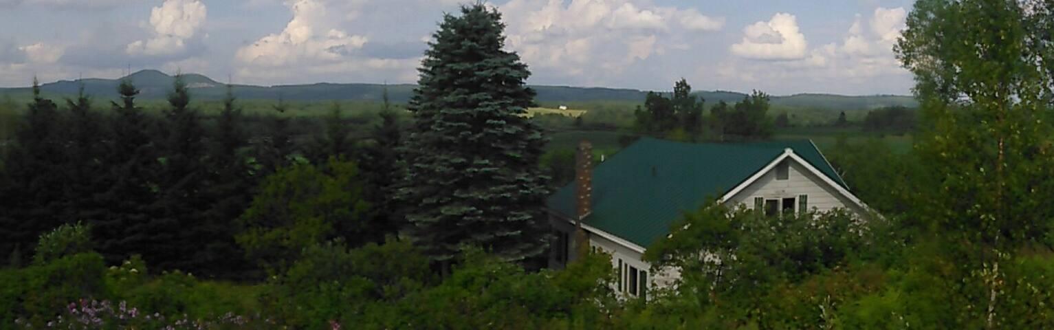 Grand Isle Farmhouse w/ Beautiful Land to Explore