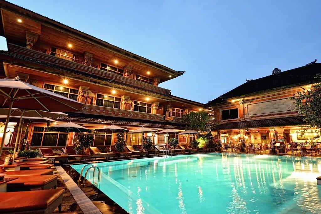 Cozy swimming pool