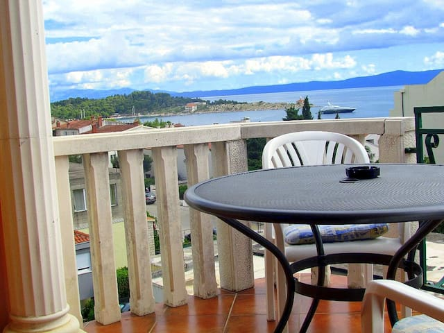 Beach apartment with balcony, SView - 馬卡斯卡 - 公寓