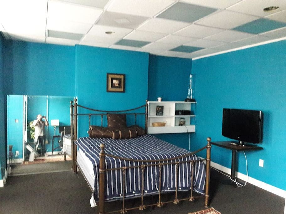 Room includes Cable television