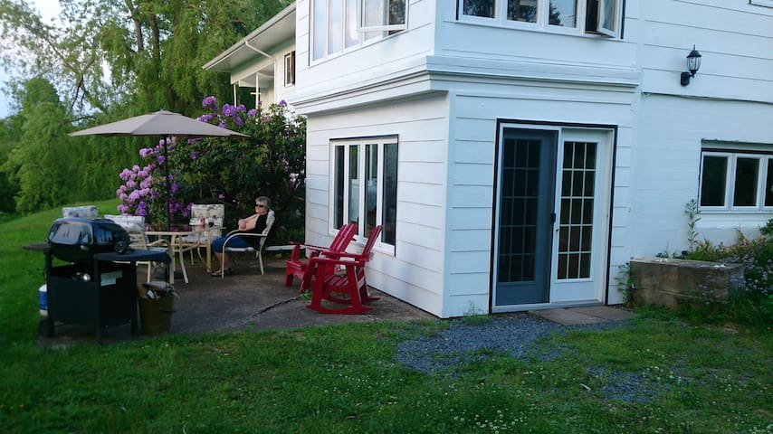 Relax or have your meals overlooking the beautiful Annapolis River