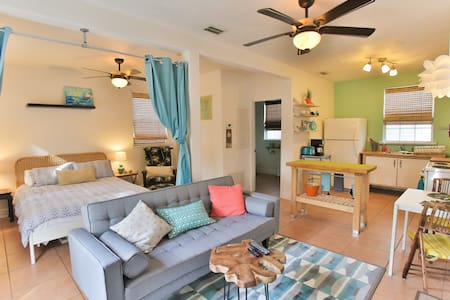 Spanish Bungalow, Near everything! - Daytona Beach - Departamento