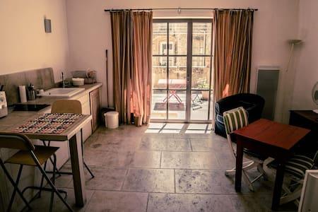 le mazet - hotel de l'orange - Sommières - Apartment - 1