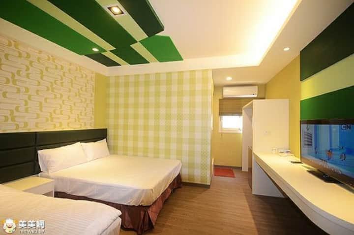 竹柏房,位於后里市區是外出旅遊、出差的住宿好選擇,交通便利,機能方便