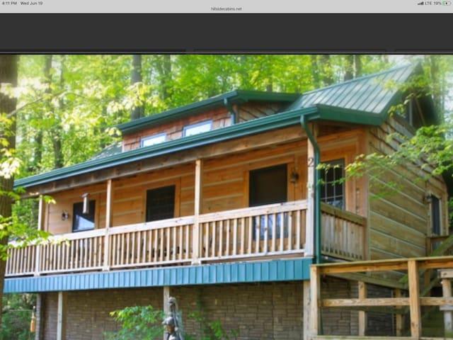 Roscoe Hillside Cabins- Fish Cabin