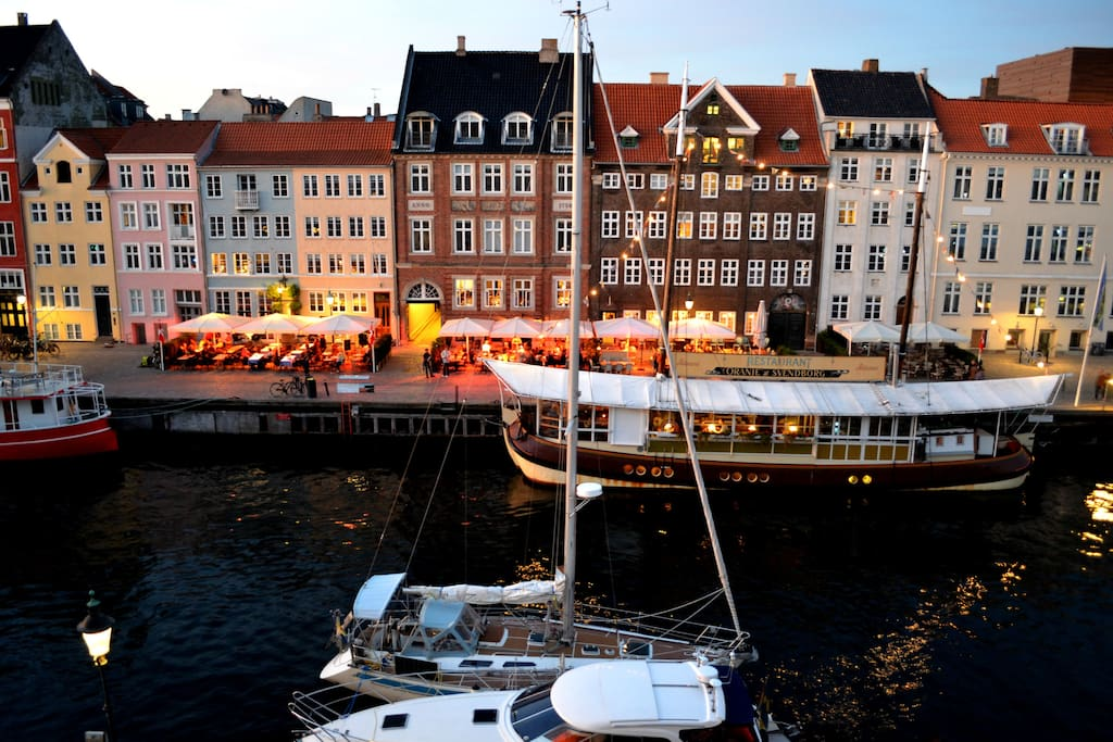 Nyhavn, our charming and beautiful neighborhood, where you will find yourself sorrowed by nice restaurants and cultural life.