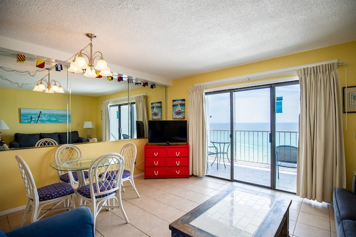 The Summit 1107- Beach Front Condo with Ocean Views