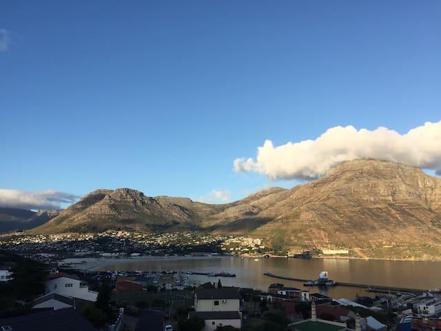 """Hout Bay loft"" spectacular views. - Cape Town - Daire"