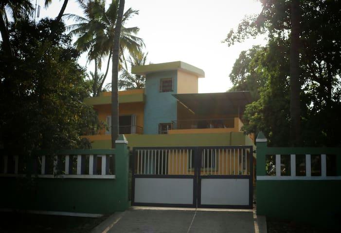 Aashraya Home Stay