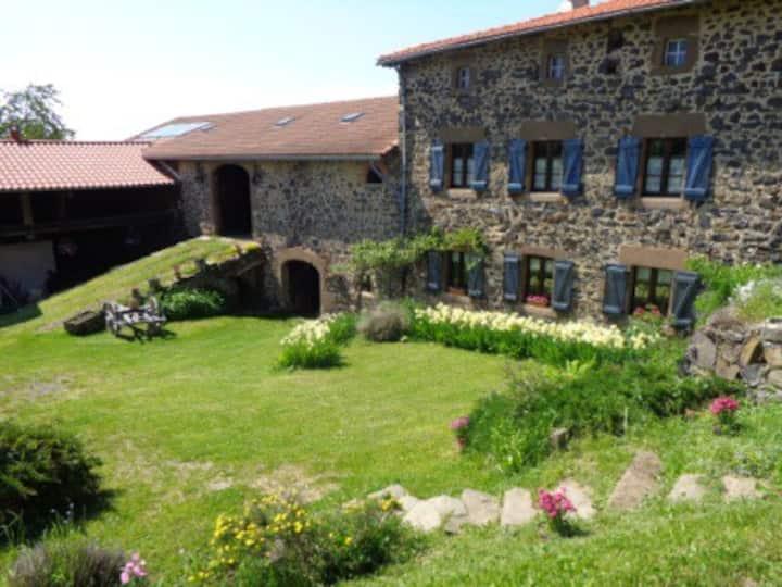 Gite écologique sud Auvergne