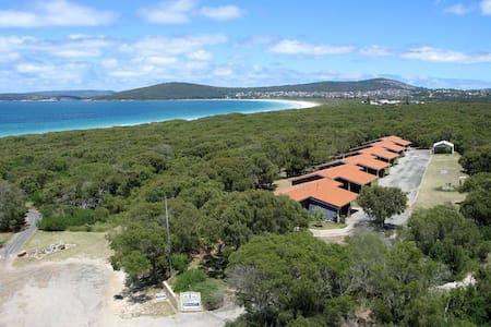 Emu Beach Double Chalets. Pet Friendly by the Sea.