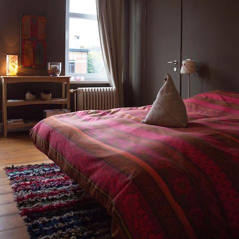 """""""Rêver d Art """"  Loger dans une maison - galerie - Verviers - Appartement"""
