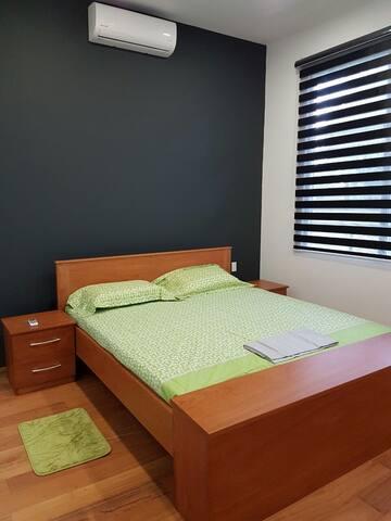 Guest bedroom (bed 180x200 cm)