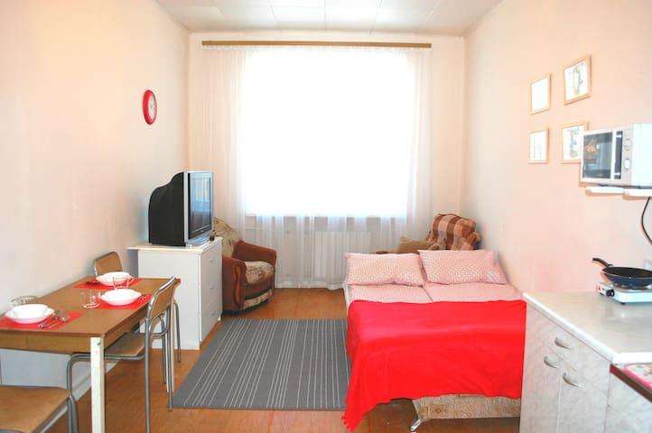 Уютная комната недалеко от центра - Ekaterimburgo - Apartamento