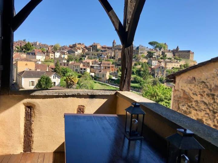 Maison de la tour du guet avec terrasse Belvès