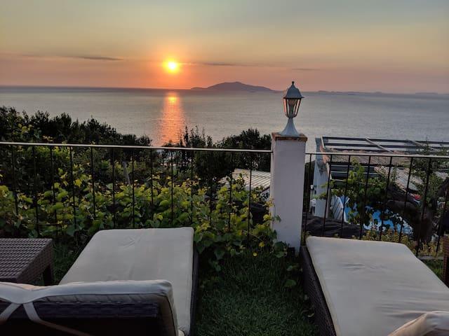 Enjoy the sunset: Faro's room
