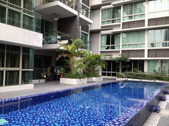 Cozy Condo Apartment in Central -walk to 3 MRT