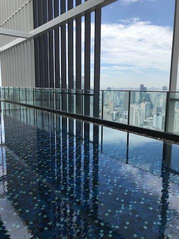 500m走到地铁phrom pong/50层天际泳池/市中心顶级公寓park 24/emporium