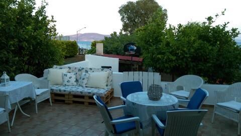 Kalopigado Home Next to the Beach
