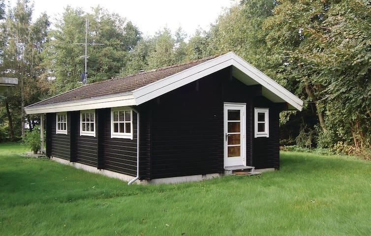 Et RIGTIGT sommerhus :o) - Væggerløse - Cabin