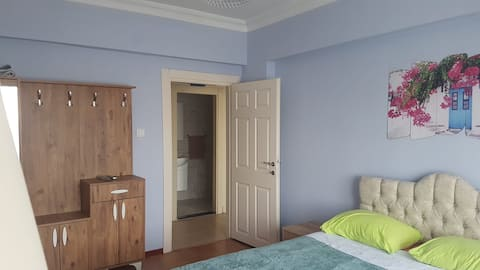 Alanya, 150 m from beach, quiet double-bed room