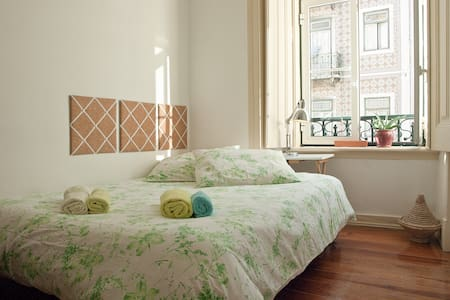 Chambre lumineuse aux Anjos - Lisboa - อพาร์ทเมนท์