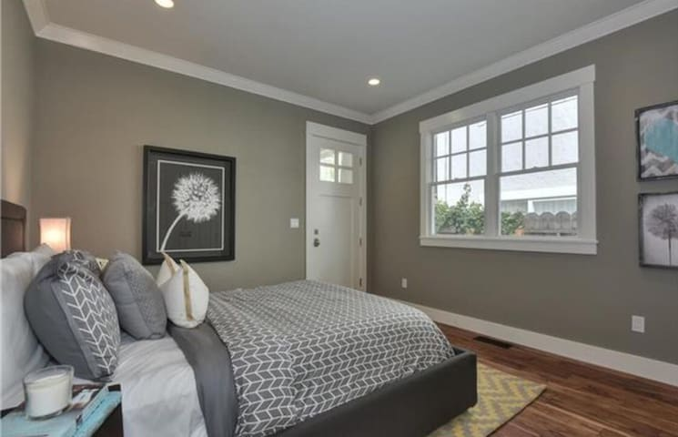 Private room with separate entrance - Redwood City - Huis