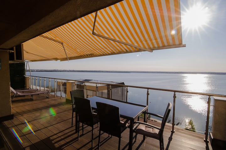 ❤️Sea Gem Apt: Great Views+Terrace+200m to Beach❤️