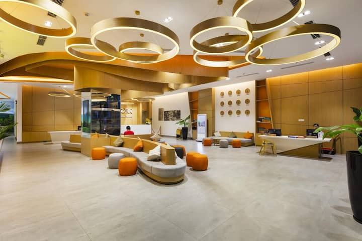 Nha Trang Sea Views luxury Apartment with balcony