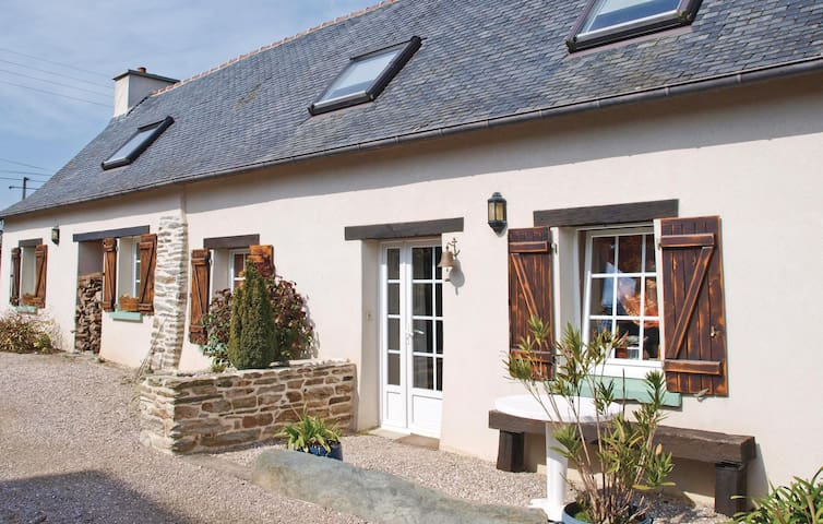 Holiday cottage with 3 bedrooms on 120 m² in Garlan