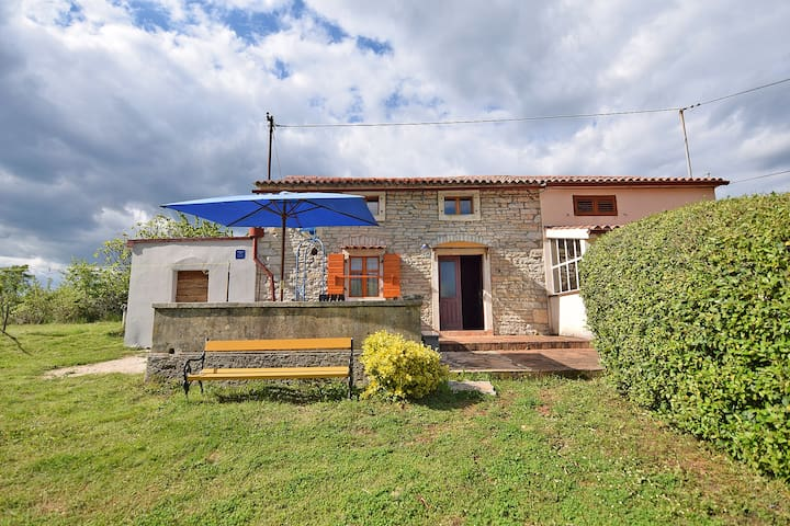 Holiday house for 2-4 with big garden - Petehi - Vacation home