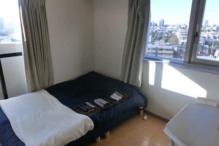 渋谷駅より5分。繁華街の真ん中で立地抜群。大きなマンションの角部屋で窓も広く景色がいい#2 - Shibuya-ku
