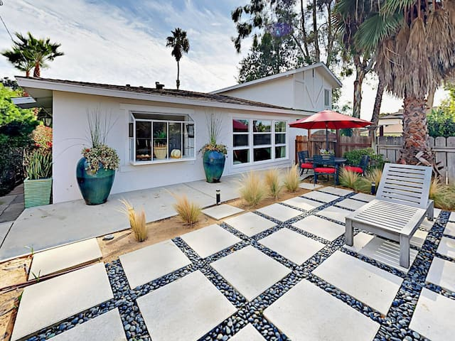 Cozy Costa Mesa house next to Newport Beach