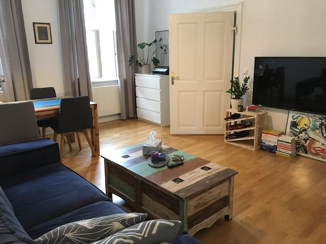 A sunny and cosy flat in the heart of Berlin