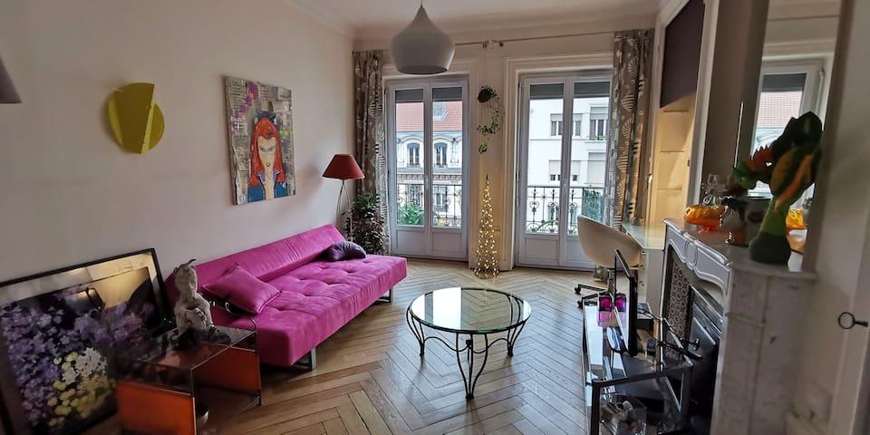 Chambre spacieuse au calme. 20 m2